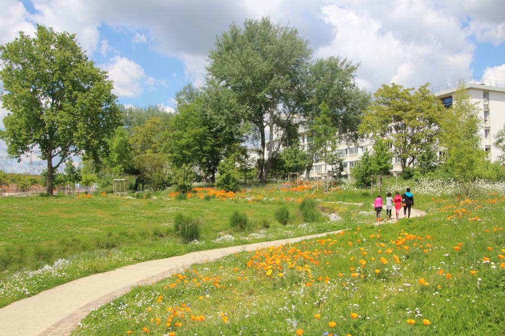 Espaces verts ville fleurie cadre de vie ville d 39 orly for Espace vert emploi